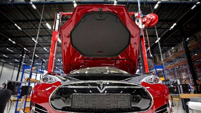 Job V Tesla Motors Celkem Voln Ch Pozic